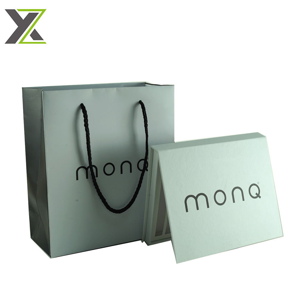 Eco-friendly small size printed logo durable paper bag with handle